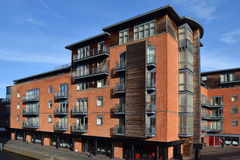 Flerbostadshus i den i stadens centrum Birminghamen Fotografering för Bildbyråer
