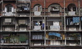 Flerbostadshus i Hanoi Royaltyfri Foto