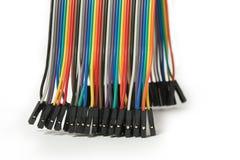 Flerfärgad kabel som isoleras på vit bakgrund som knyter kontakt begrepp Förkläde IDC-tråd Top beskådar Arkivfoton