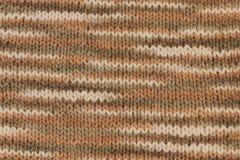 Flerfärgad stucken bakgrund från woolen garner Handgjort texturerat Arkivbilder