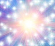 Flerfärgade glödande stjärnor och strålar Royaltyfri Bild