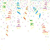 Flerfärgade krullande band med stjärn- konfettier Royaltyfri Bild