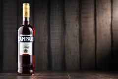 Fles Campari, een alcoholische likeur van Italië stock fotografie