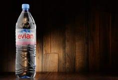 Fles Evian-mineraalwater royalty-vrije stock fotografie