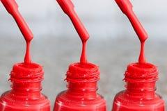 Fles lak voor de vingernagels Vrouwen` s acrylverf, gelverf voor spijkers Lak gemengde kleuren voor vingernagels Stock Afbeelding