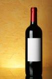Fles met leeg etiket royalty-vrije stock afbeeldingen