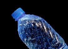 Fles mineraalwater Royalty-vrije Stock Afbeeldingen