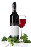 Fles rode wijn met wijnglas Royalty-vrije Stock Afbeeldingen