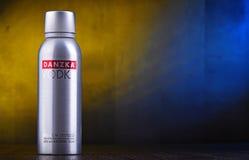 Fles van Danzka, een merk van Deense die wodka door Belvedere SA wordt bezeten royalty-vrije stock foto