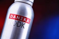 Fles van Danzka, een merk van Deense die wodka door Belvedere SA wordt bezeten stock foto