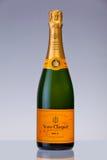 Fles van de Premie Champagne van Veuve Clicquot Ponsardin Stock Afbeeldingen