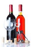 Fles wijn met een glas en een kurketrekker Royalty-vrije Stock Fotografie