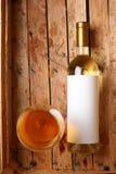 Fles witte wijn Stock Fotografie