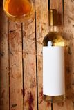 Fles witte wijn Stock Foto's