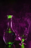 Fles wodka met glas Royalty-vrije Stock Foto