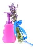 Fles zeep en lavendel Royalty-vrije Stock Foto's