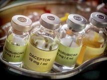 Flesjes van verschillende grootte met medicijn Royalty-vrije Stock Fotografie