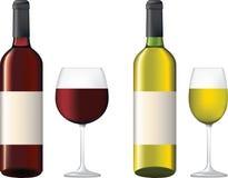 Flessen en glas rode en witte wijn Stock Foto's