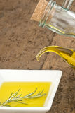 Flessen gietende eerste persing in plaat Stock Foto