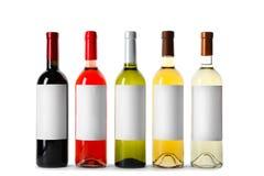 Flessen heerlijke wijnen met lege etiketten Royalty-vrije Stock Foto