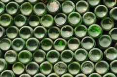Flessen in kringloopcentrum Stock Foto