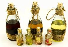 Flessen met oliën Royalty-vrije Stock Afbeeldingen