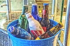Flessen met smakelijke dranken Royalty-vrije Stock Fotografie