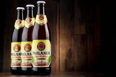 Flessen van Paulaner Hefe Weissbier Royalty-vrije Stock Fotografie