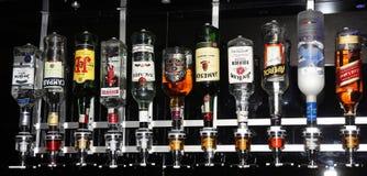 Flessen van sterke drank royalty-vrije stock foto's