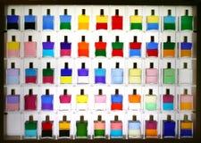 Flessen voor kleurentherapie stock foto