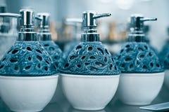 Flessen voor zeep in de opslag Royalty-vrije Stock Foto