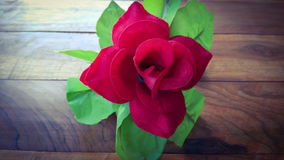 Fleur artificielle de rose de rouge de plan rapproché Photos stock