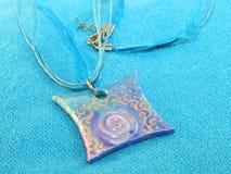 Fleur bleue de pendant de petit programme Photographie stock
