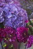 Fleur dans la boutique images stock