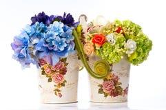 Fleur dans le vase à cru Photographie stock
