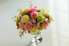 Fleur de bouquet dans le vase Photographie stock libre de droits