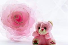 Fleur de décoration et ours de nounours Photographie stock