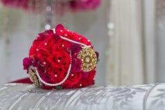Fleur de main pour épouser Image libre de droits