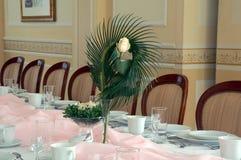Fleur de Rose sur la table Photos stock