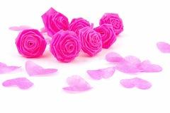 Fleur de tissu de rose de rose et petit cerf sur le fond blanc Images libres de droits