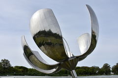 Fleur en aluminium Photos libres de droits