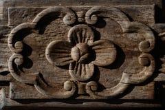 Fleur en bois antique Images stock