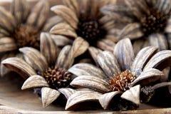 Fleur en bois fabriquée à la main Photos libres de droits
