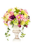 Fleur en plastique artificielle de décoration avec le vase à conception de vintage Images stock
