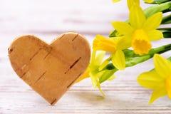 Fleur et coeur comme symbole pour l'amour Image libre de droits