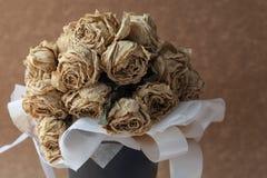 Fleur sèche par rose de blanc photo stock