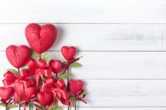 Fleur sous forme de coeur fait à partir du borad de mousse Photos stock