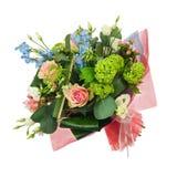 Fleurissez le bouquet des roses colorées multi, de l'iris et d'autres fleurs Photo libre de droits
