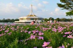 Fleurissez Suan avant Luang Rama IX, Thaïlande Photo stock