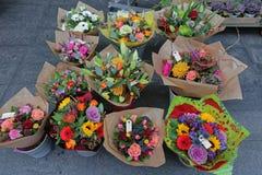Fleuriste de bouquets de fleurs photos libres de droits